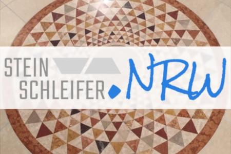 Polierter Marmorboden mit Steinschleifer.NRW-Logo